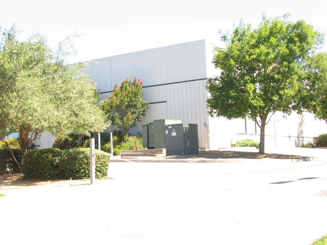 FASTENER-COMPANY-LOADING-DOCKS-MORGAN-HILL-CALIFORNIA-1100x825.jpg