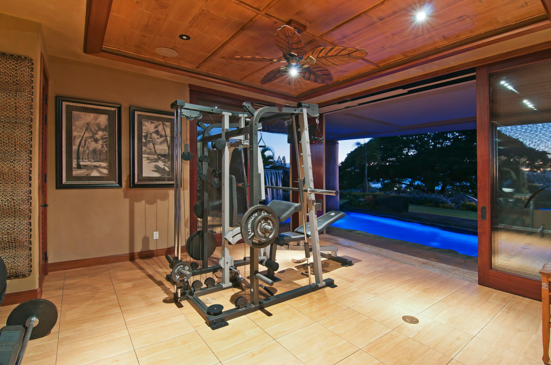 MAHI-PUA-CUSTOM-RESIDENCE-GYM-MAUI-HAWAII-1100x730.jpg