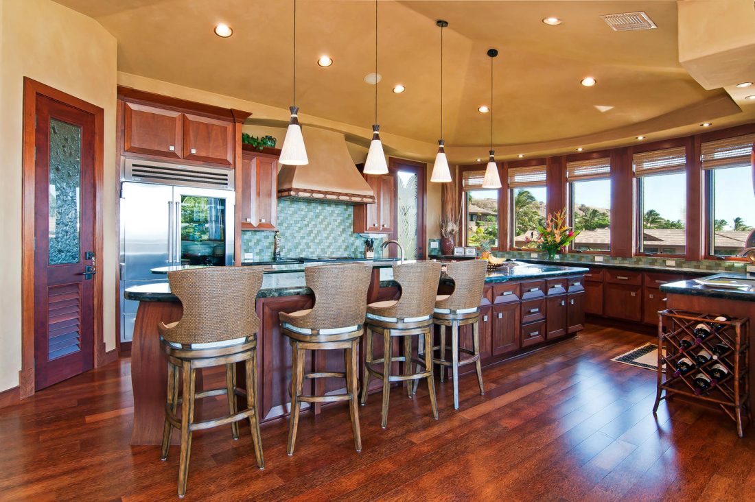 MAHI-PUA-CUSTOM-RESIDENCE-KITCHEN-MAUI-HAWAII-1100x732.jpg