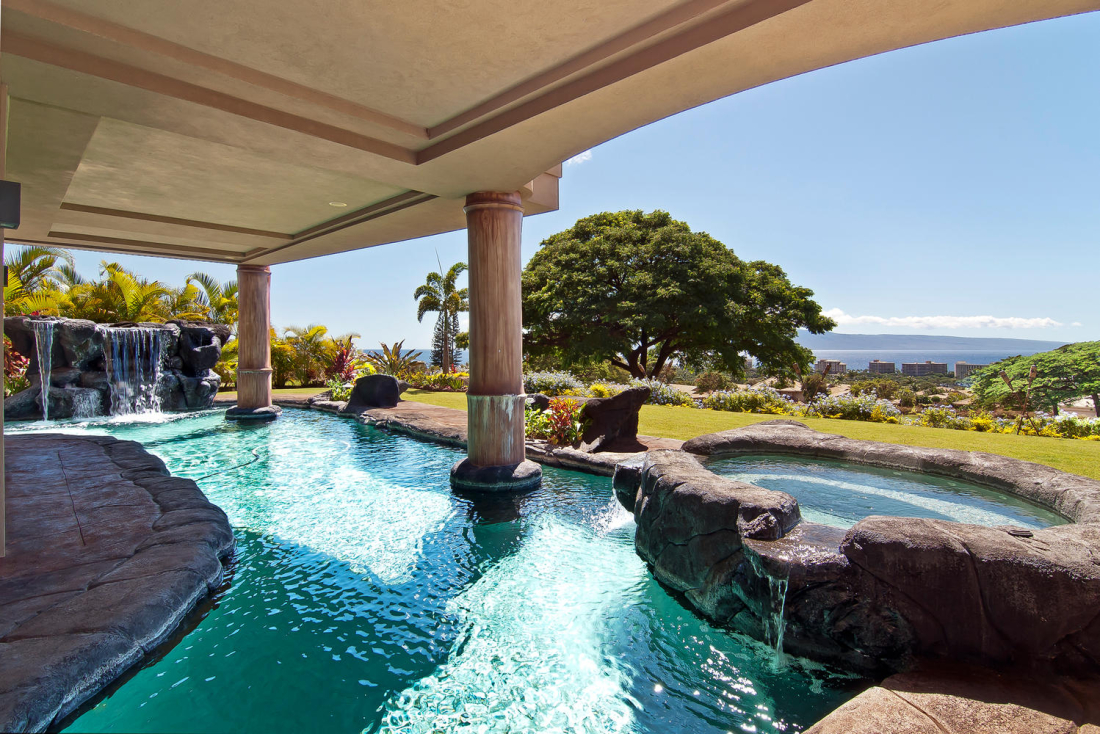 MAHI-PUA-CUSTOM-RESIDENCE-POOL-AREA-MAUI-HAWAII-1100x734.jpg